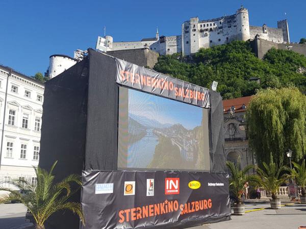 Sternenkino am Kapitelplatz in Salzburgs Altstadt